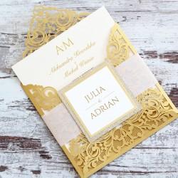 Złote, metalizowane zaproszenia z aplikacją i brokatem
