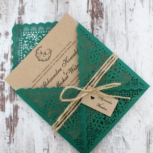 Zielone zaproszenia z motywem kwiatowym w stylu rustykalnym-2
