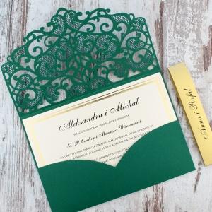 Zielone, ażurowe zaproszenia ślubne w kształcie koperty2
